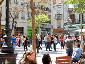 Swing dancing in Placa d'Osca
